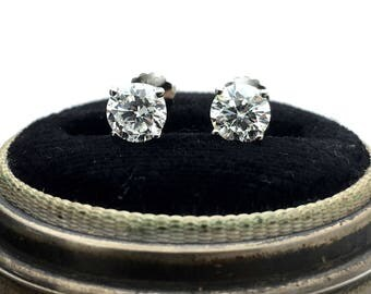 14k 1.00TCW White Gold Round Brilliant Diamond Stud Earrings.