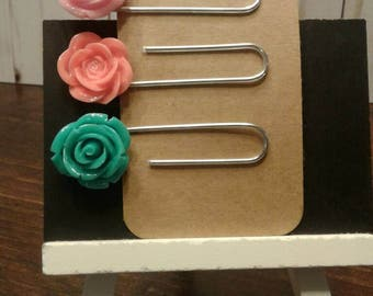 3 gold paper clips
