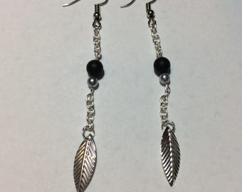 "Earrings ""leaf and Pearl chained natural stone"""