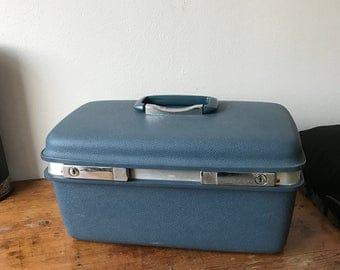 Royal traveller beauty case in blue