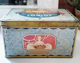 Loriot lithographie metal candy box. France 1950