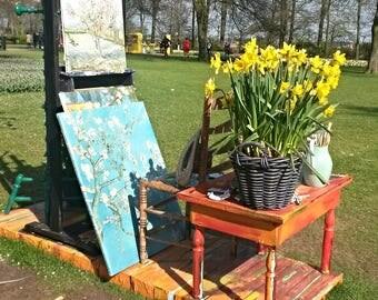 Painter's Easel in Kuekenhof Gardens