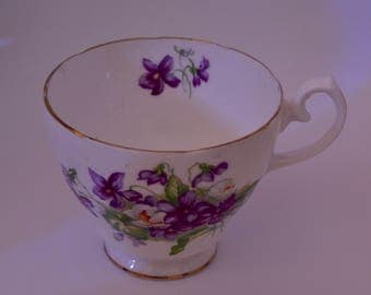 Vintage teacup (hand painted)