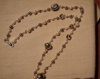 1970 Long pearl necklace with rhinestones