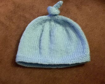 Soft top knot baby hat 3-6 mo