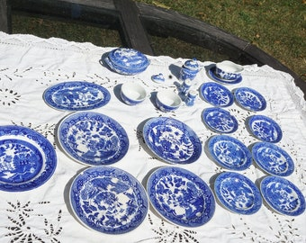 Vintage blue willow toy dinner pieces