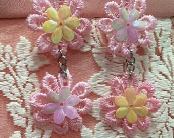 Daisy Drop Earrings, Daisy Earrings, Lace Earrings, Flower Earrings, Floral Earrings, Dangle & Drop Earrings