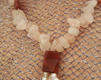 Necklace in Rose Quartz, Carnelian, pearls and crystals