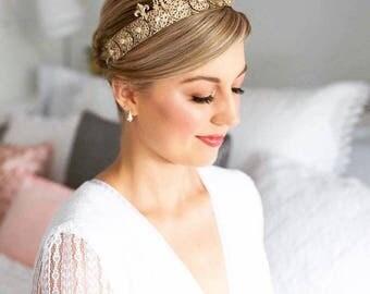Antonia Royal Gold Crown