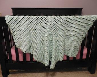 Octagonal crochet baby blanket