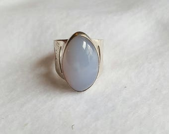 Vintage Chalcedony Silver Ring size 10