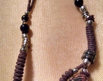 Choker style with woven rope and beads