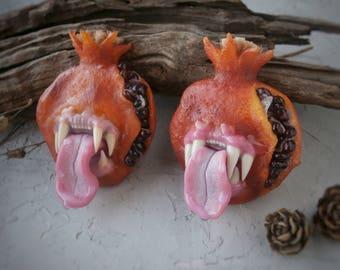 Toothy garnet Brooch