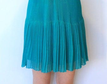 Pretty teal pleated skirt with black elastic waist band