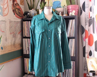 """vintage Ely Cattleman western snap shirt . green with silver & gold metallic stripes . 46"""" chest, mens large xl"""