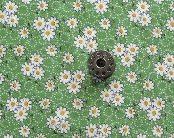 FAT EIGHTH White Daisies on Green Background Floral Quilting Cotton Feedsack Reproduction Print Fabric