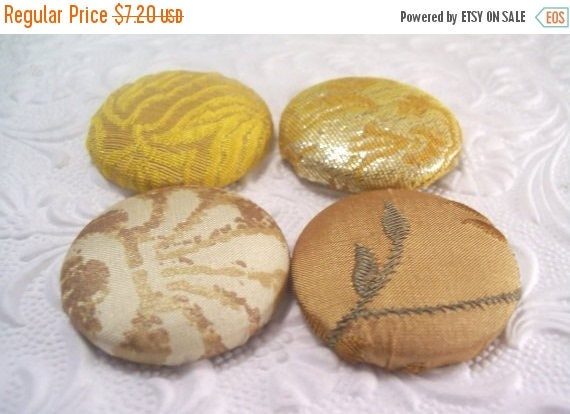 CLEARANCE - 4 yellow buttons, fabric buttons, covered buttons, textured buttons, 1.5 inch button, size 60 buttons