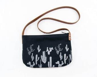 Kari Crossbody Bag-cactus Print