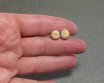 Stud Earrings 8 mm Yellow Fan Design Maize Hypo Allergenic Simple Post Earrings