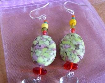 Love Drops. Valentines Gift for Her, green, red, heart, stone, beads, earrings, jewelry, silver wires,.