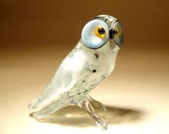 Blown Glass Figurine Art  Bird White Polar North OWL with Folded Wings