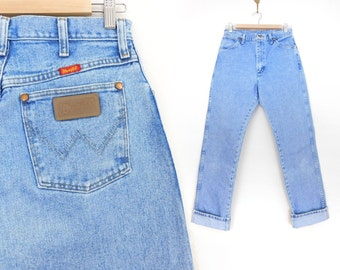 Sz 8 L High Waisted Wrangler MWZ Mom Jeans - 90s Vintage Straight Leg Light Blue Denim Tall Women's Jeans - Cowgirl Dungarees - 29 waist
