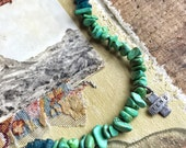 Tend turquoise medic necklace