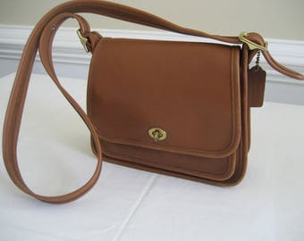 vintage Coach shoulder bag or cross body bag -  British tan - Rambler Legacy  9061