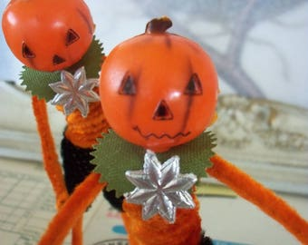 Pipe Cleaner Jack O' Lantern Figure / Vintage Craft Supplies / Free-Standing Figure / Vintage Style / Halloween