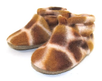 0 to 6 Month Animal Print Fleece Baby Shoes by KaBoogie