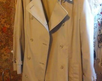 Vintage London Fog Maincoats Rain Coat Tan Trench Coat Size 14P Retro Great Condition