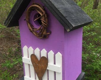 Purple Rustic Primitive Birdhouse White Fence White Metal Heart Grapevine Wreath Country