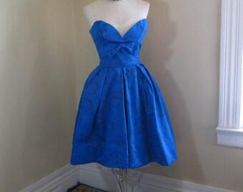 Vintage 50s Shelf Bust Dress Blue roses satin Party dress Blue Strapless dress Lorrie Deb 50s Big Bow Pleated Skirt dress Net bust detail S