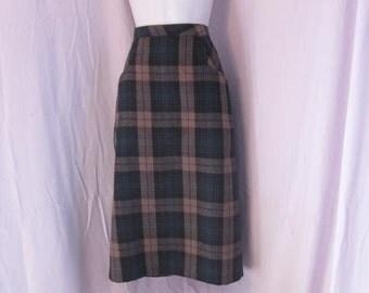 Vintage Wool Blend Plaid Pencil Skirt by Binder Sportswear of Boston size 8