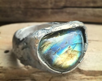 Luminously luscious planet aligning labradorite ring in eco silver with very very beautiful gold blue flash labradorite size 10