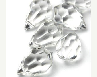 50% OFF SALE Vintage Glass Beads Crystal Faceted Drops 18x12mm (4) VGB102