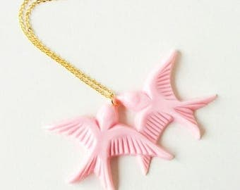 Clearance Sale Blush pink vintage plastic swallow love birds gold necklace