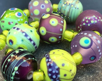 Magdalena Ruiz MruMru Handmade Lampwork Glass Bead  set. Sra.