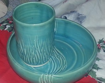 Low bowl and tumbler set, blue with carving