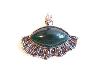 Abstract Green Acrylic Marquis Shaped Eye Pendant with Hematite Rhinestones Antique Silver-tone
