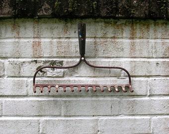 Antique Vintage Iron Rake Head Old Rusty Rake Head Primitive Rake Head Jewelry Organizer Tool Organizer Wine Glass Holder