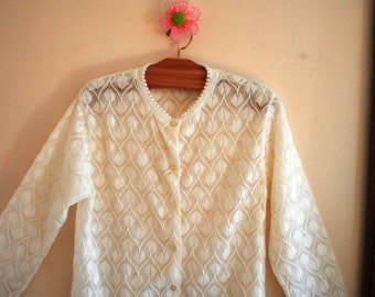 Boho vintage 70s white acrylic, knit lace sweater, cardigan. Made by Nasharr Ferres. Size M.