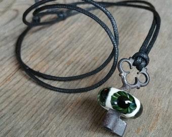 Green Clover Eyeball Skeleton Key