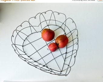 Sale Vintage Wire Heart Basket - Rustic Primitive Hearts