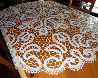 Vintage Cream Color Crocheted Lace Tablecloth Very unusual Wedding Cake Table  SVFT ECS