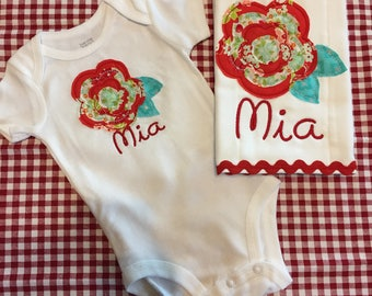Handmade onesie with applique raggy flower and matching burpie-burpcloth-free embroidery of one name-red-turquoise-raggy Flower