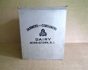Vintage Galvanized Metal Milk Box Insulated with Lid Milk Case