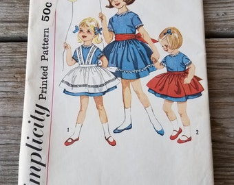 Simplicity pattern 3760 Child's dress, Pinafore and Apron size 6