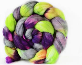 Nomad 4 oz Merino softest 19.5 micron Roving Top for spinning