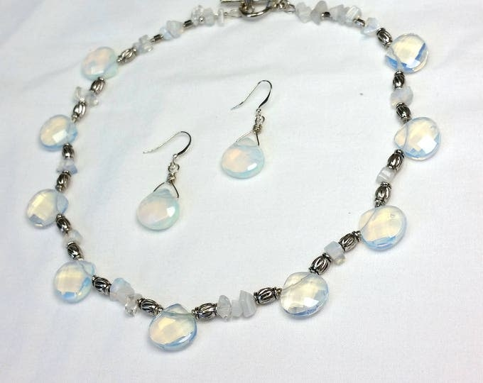Dreamy Moonstone Teardrop Necklace Set